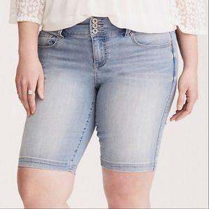 Torrid jegging blue jean shorts
